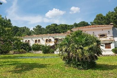 MASIA-RESTAURANTE en venta con terreno llano (aparcamiento grande), muy bien situado y cerca de Cambrils.