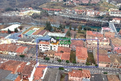 Urban plot for sale with a village house and an old factory near Ripoll. IDEAL INVESTORS