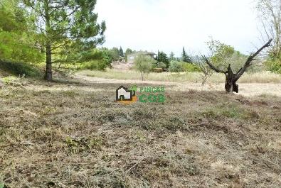 Terreno en venta edificable para 2 casas en un lugar precioso, verde, tranquilo, pero no solitario en Pontons
