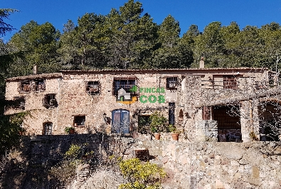 Country house for sale near the Mussara village and the Prades Mountains' Natural Park with 40 hectares land and beautiful panoramic views